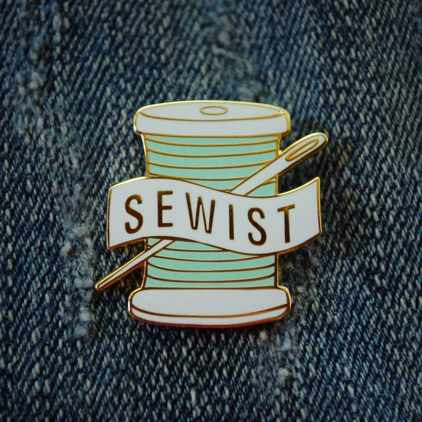 Enamel pin sewist
